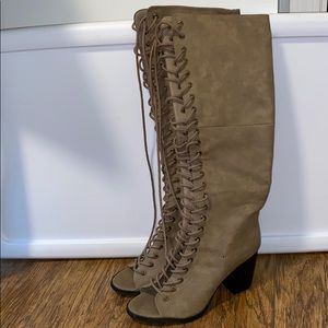 F21 TAUPE LACE UP BLOCK HEELED BOOTS